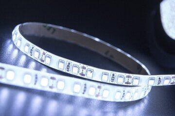 светодиодная лента 9,6 холодный белый свет уличная